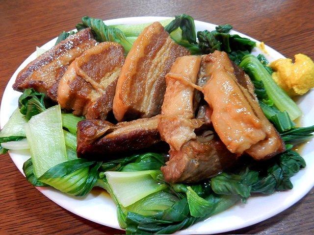 【素晴らしい台湾B級グルメ@大塚「秀美」】台湾マニアには定番のディープな名店です!・豚の角煮→八角のきいた王道の味・蚵仔煎(牡蠣オムレツ)→現地そのまんま!・魯肉飯→現地にはない魚系の風味と辛さ・乾拌麺(カンパン麺)→黒酢のコクで酒が進む!