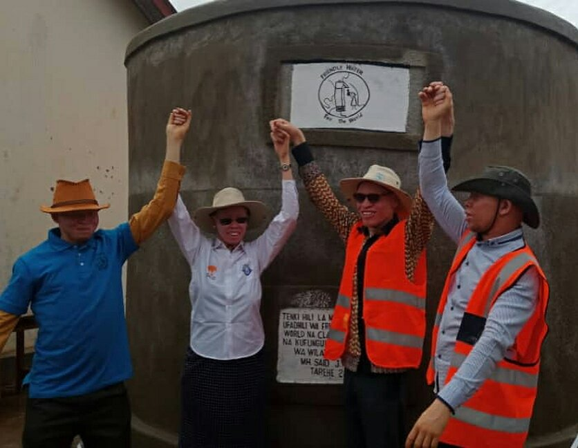 Tanzania Albino Society Bukombe in association with various stakeholders have built a water tank at a school for children with special needs Ushirombo to support #GivingTuesdayTZ #givingtuesday #givingtuesday2018