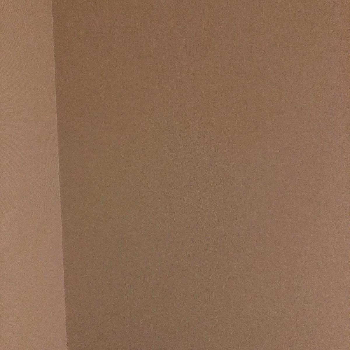 orion12日目☪︎ラストDJエディション楽しかったなぁちょっと寂しいけど残りの公演頑張りますあ、今日は写真を撮る時間がなかったので今夜泊まるホテルの天井で勘弁してください。じゃ