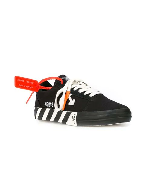 dd5fc4c3fe97 Ad  few sizes for  164 Off White Vulc Sneakers Black http   bit.ly 2FJ0IzV  White http   bit.ly 2TQ2B0u pic.twitter.com xhzceihjfc