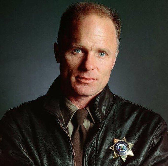 Happy birthday Ed Harris: My favorite Sheriff Alan Pangborn!