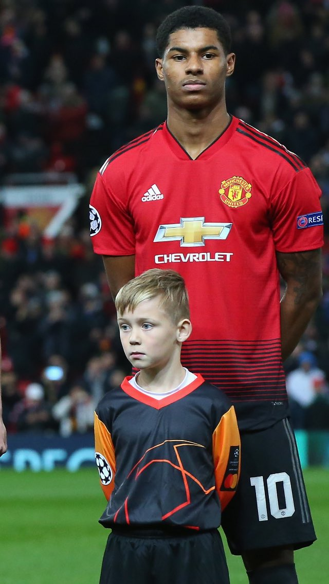@MastercardUK What an amazing experience my son had last nite #PricelessMascot was over the moon to have walked out with @MarcusRashford