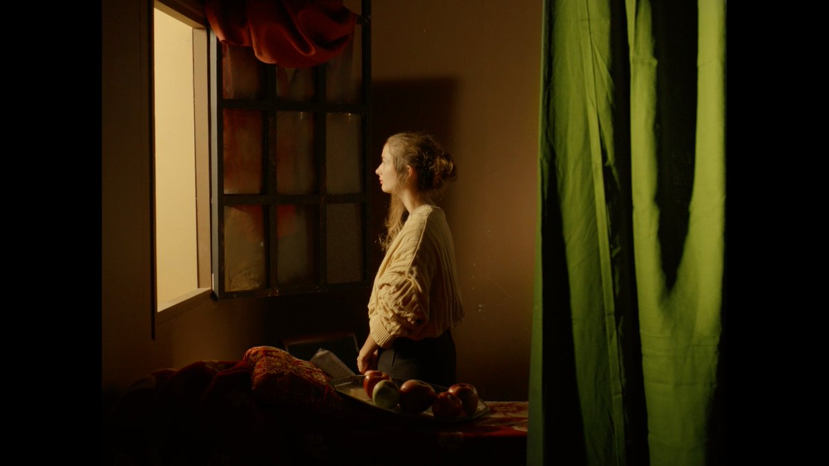 Valeria Cuni On Twitter Tableau Vivant Girl Reading A Letter At An Open Window De Johannes Vermeer Maneltrenchs Practica De 3r De Fotografia D Escac Https T Co Jtfhsbfg2b Https T Co Wr79a9ldgg