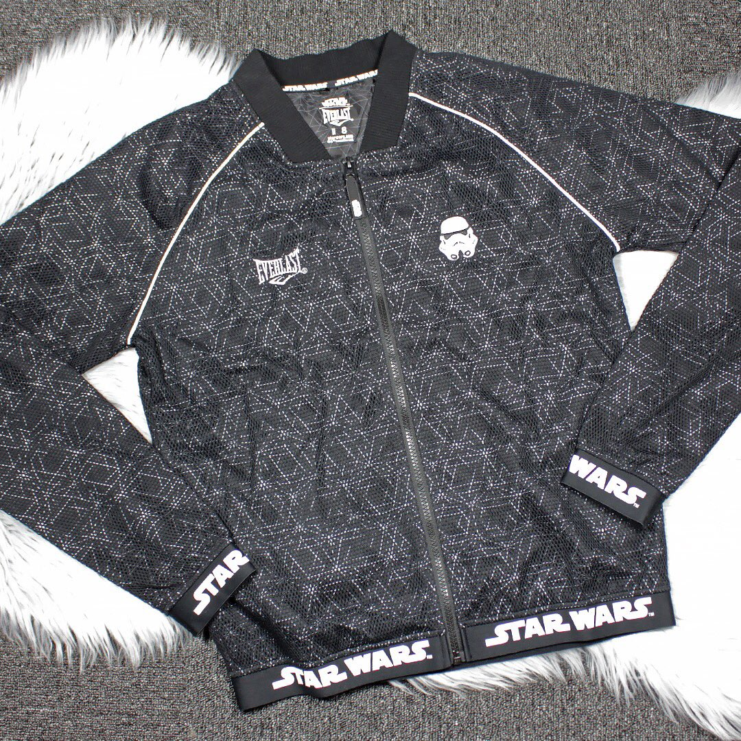 043216ad04320 I love my Star Wars workout gear by @Everlast_ ⭐ This women's jacket  features