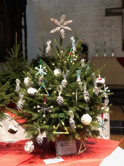 The tree will be on display, along with around 30 ...  https://lordscudamore.hmfa.org.uk/2018/11/28/saints-christmas-tree/  …pic.twitter.com/8IVDRgC9sL - LordScudamoreAcademy On Twitter: