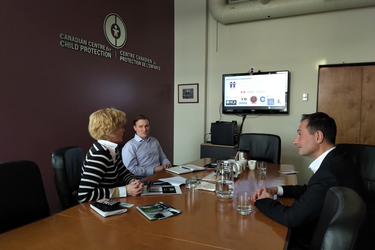 test Twitter Media - Yesterday, @RobertGhiz met with @SignyArnason and Lloyd Richardson of @CdnChildProtect to understand how the telecommunications industry can continue to best support their efforts to protect the personal safety of children across Canada. #CdnWireless https://t.co/viRCfvv1F0