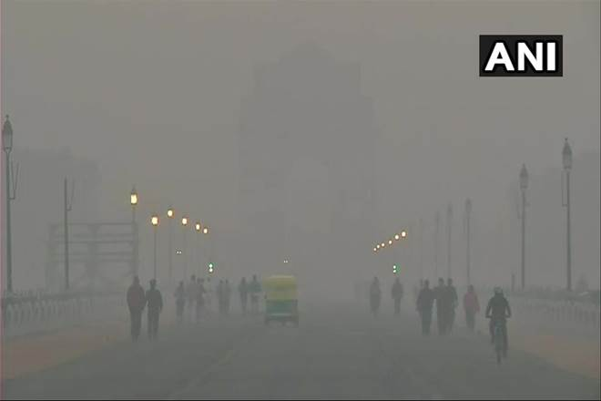 #Delhi #airquality remains very poor, shallow #fog covers #NCR https://t.co/CLY4khxDmN