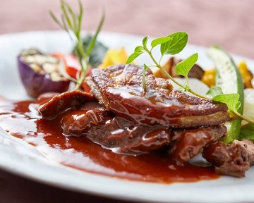 11月29日 15:45 (特選!牛ヒレ肉とフォアグラのロッシーニ風)世界三大珍味の高級食材フォアグラと肉質が柔らかい赤身の王様牛ヒレ肉との最強コラ…