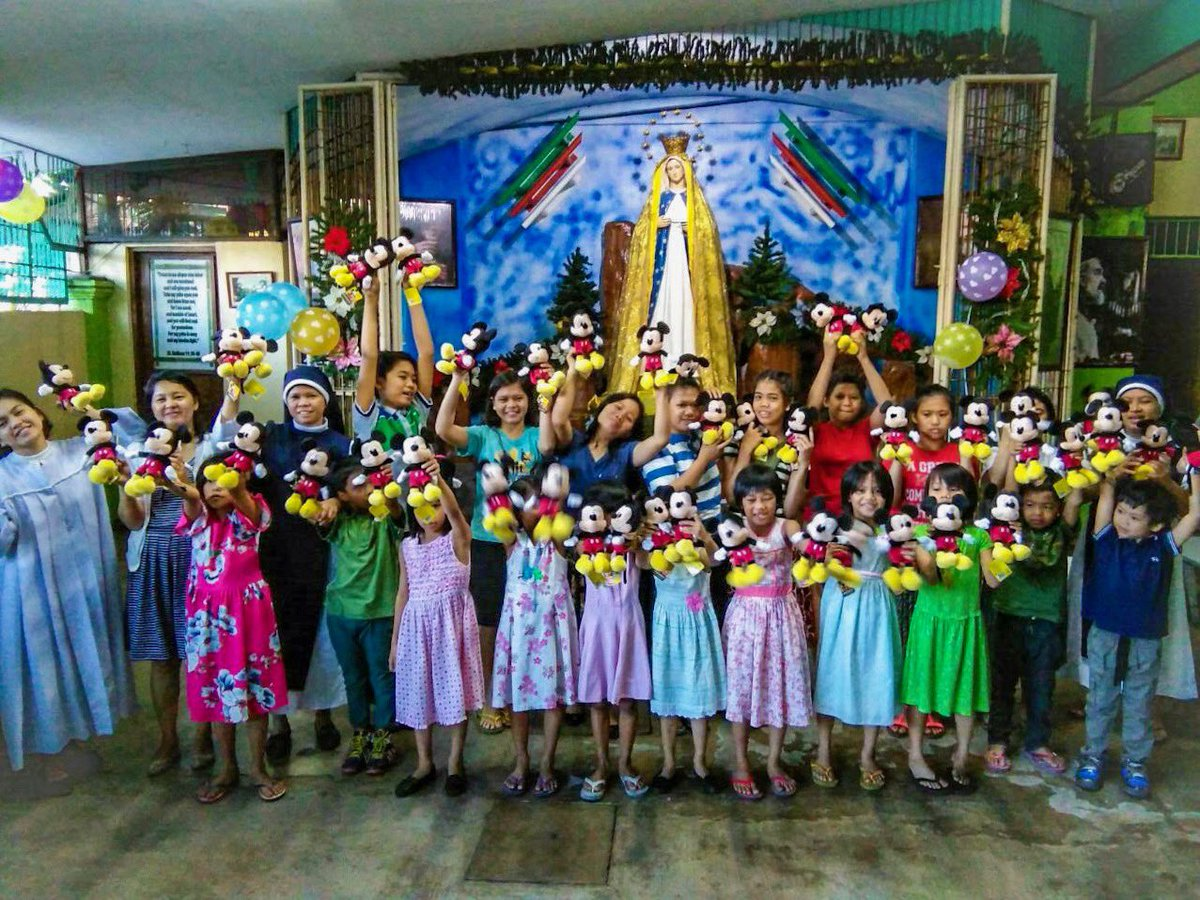 Sharing is caring. So heart-warming to see kids of Holy Trinity Home for Children smile. #mickey90 #happybirthdaymickey 😍