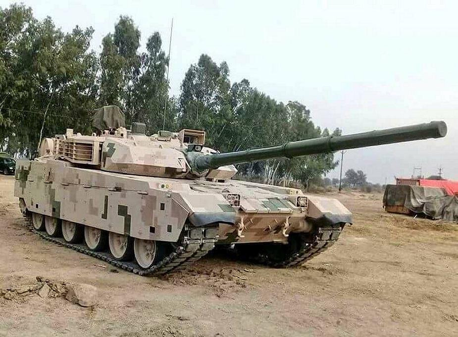 باكستان تختار شراء دبابات VT-4 الصينيه  DtKVeuWXgAAxgPg