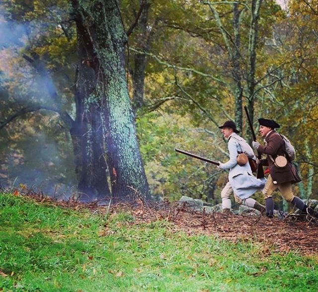 Always have a battle buddy #reenactment #revolutionarywar #massachusetts #patriots # https://t.co/a0wtMwpbXF