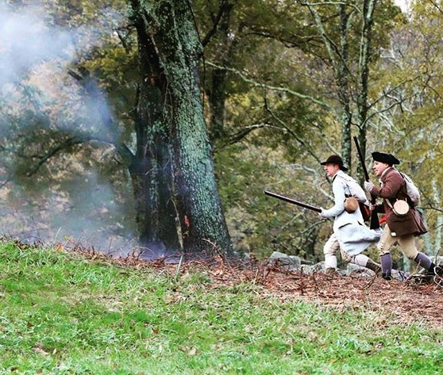 Always charge with a battle buddy! #reenactment #revolutionarywar #massachusetts #patriots https://t.co/bwr9DBIAtg