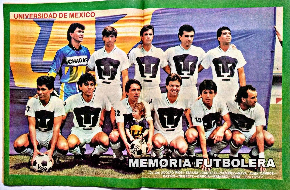 #Pumas 1989-90 Ríos, España, Castillo, Vázquez, Nava. Abajo: Campos, Patiño, Negrete, García, R. Perales y Vera.  #MemoriaFutbolera https://t.co/iDit0i21Jp