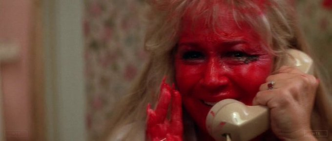 Happy Birthday to Diane Ladd who turns 86 today! Name the movie of this shot. 5 min to answer!