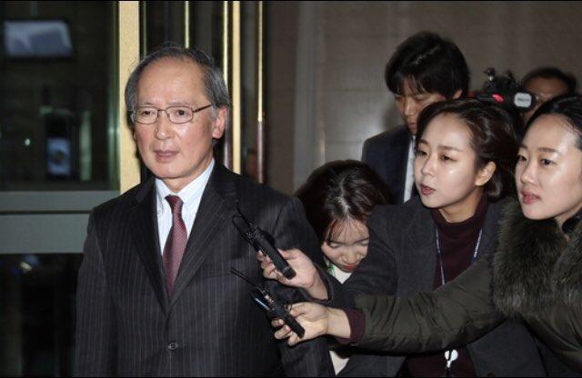 え?→三菱重工の元徴用工への賠償金支払いを求める判決について日本政府が過度に反発していることが遺憾だとして韓国政府は駐韓日本大使館の長嶺大使を呼びつけ厳重に抗議した。