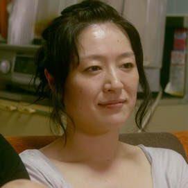 いまおっさんどもで飲んでたら、おっさん世代以上にはまだ記憶に新しい「日本人の若くてケバい子が、ある日『ナオミよ』と言ってナオミ・キャンベルに変身してしまうTBCのCM」に出ていたケバい子が、実は『カメラを止めるな!』のお母さん役の女優さんだったという話になって、いまさら驚いている。