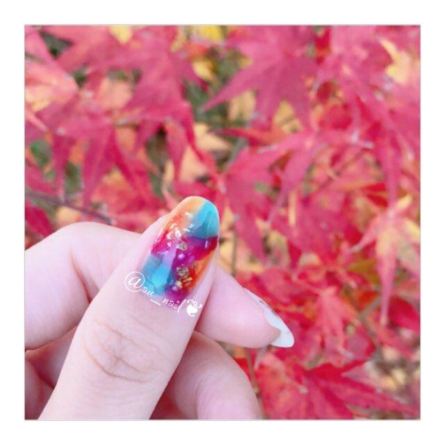 test ツイッターメディア - 紅葉×虹色べっこうネイル??かなりお気に入りのネイル???♀?真似っこです??笑笑 虹色と紅葉の相性がピッタリで満足??迷子になったけどお家帰れたし後悔なし。笑笑 #セルフネイル #秋ネイル #虹色べっこうネイル #べっ甲ネイル #大理石ネイル #ネイルホリック #キャンドゥ #キャンメイク #スキューズミー https://t.co/80KmVLS2VV