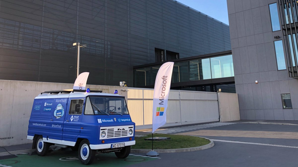 Today in Data Center 2 is #AzureTruck Day - the second meeting of the premiere of #Żuk, which is equipped with a #cloud engine with unlimited #computing power!  @AzureTruck @Azure #azure #conference #DataCenter #beyondpl https://t.co/hRgD3O7A0z