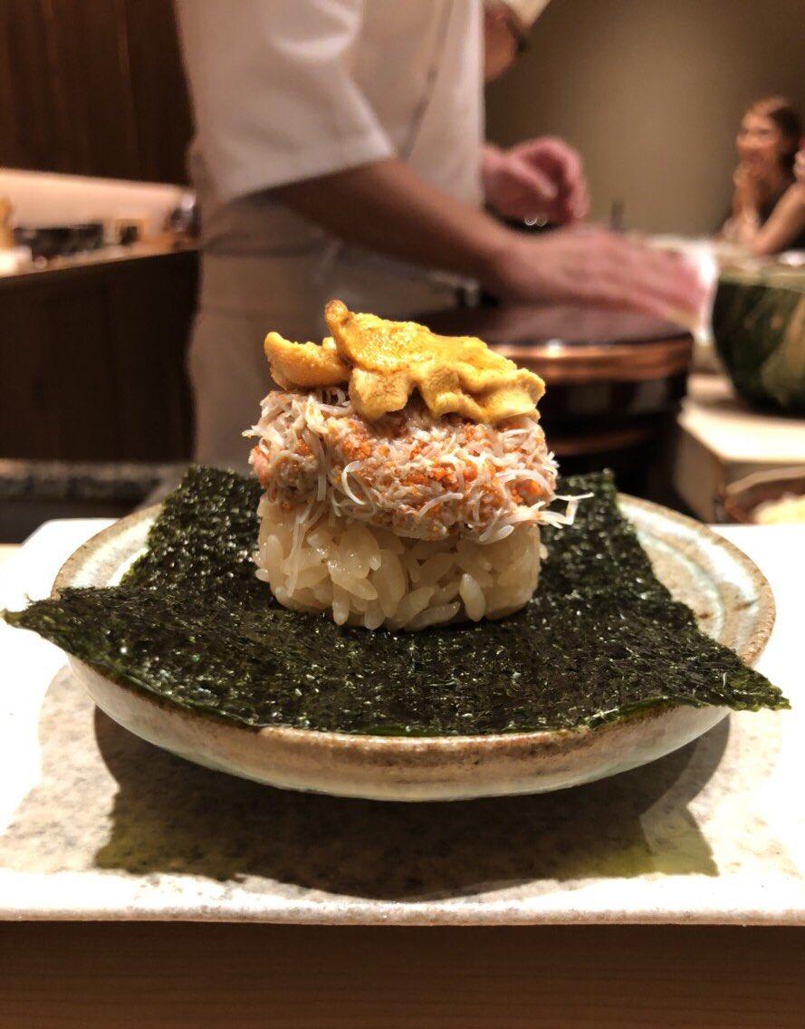 やっぱりお寿司は芸術!大好き♪日本食には職人の心がある。ミシュランガイド2年連続おめでとう。また来ます。六本木 鮨 由う