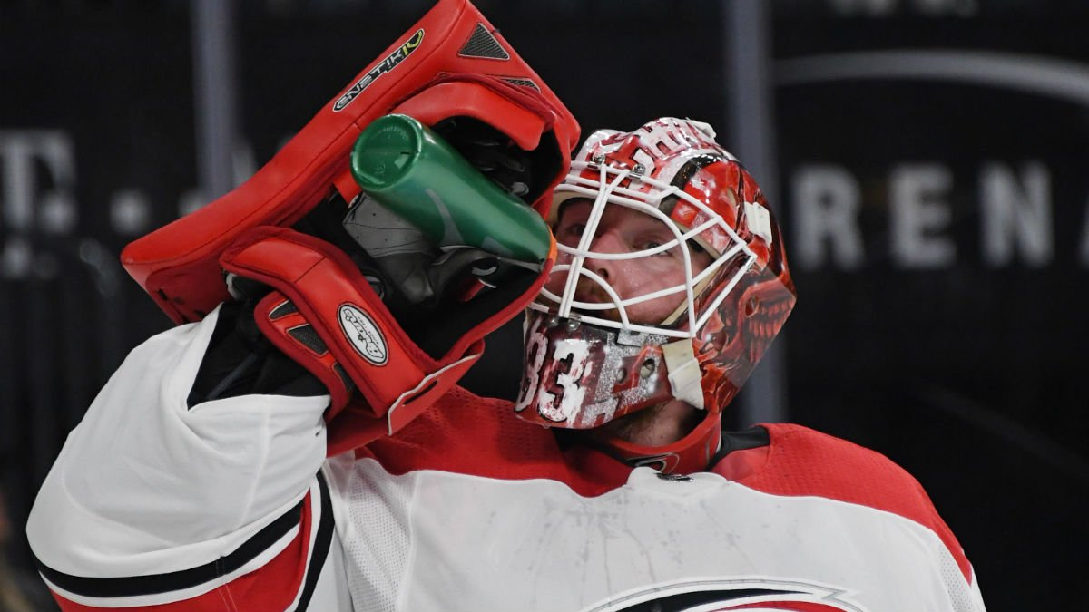 former blackhawks goaltender scott darling placed on waivers by hurricanes  reports say 755f2bb0e