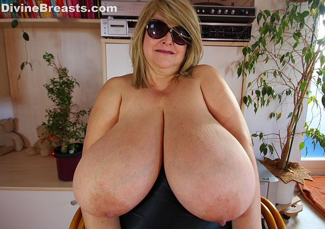 Panty nude grannies with huge juggs lily anal captive