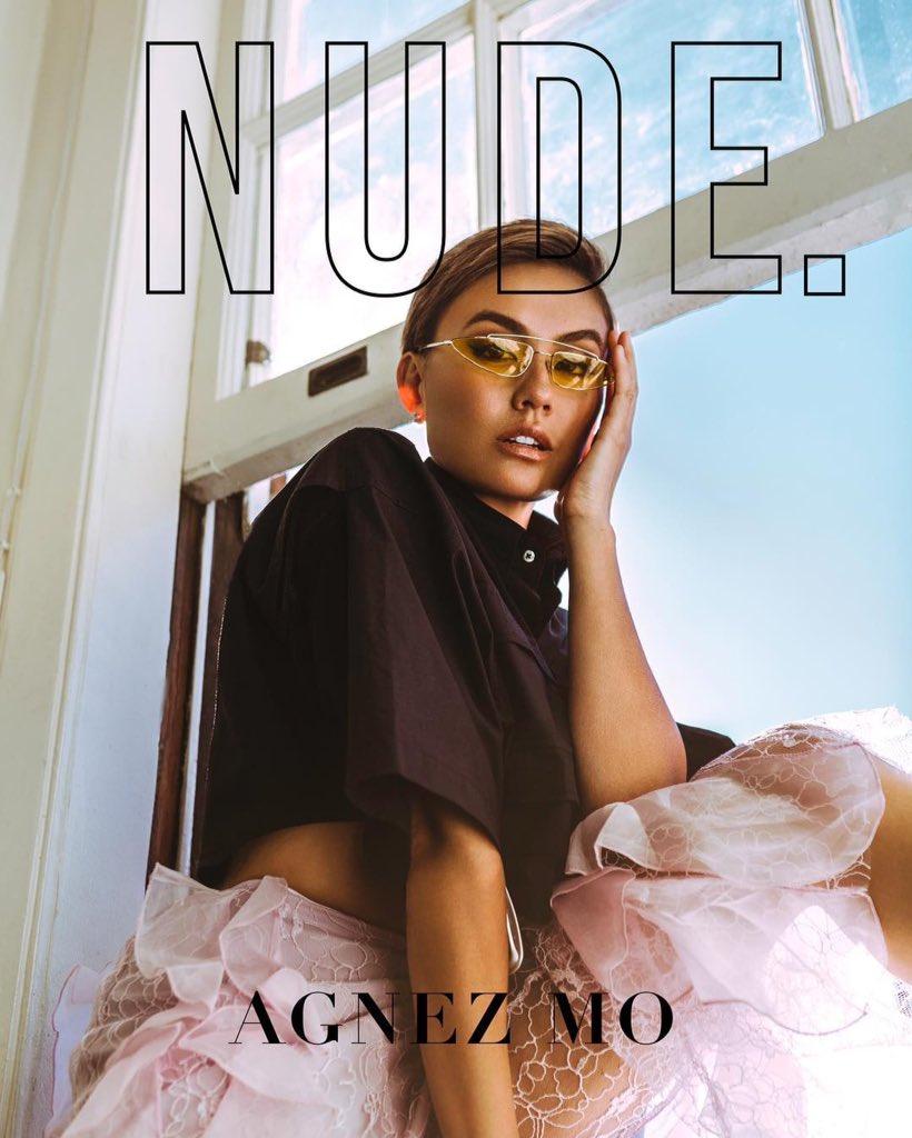 AGNEZ jadi cover majalah NUDE amerika. Foto2nya wow!