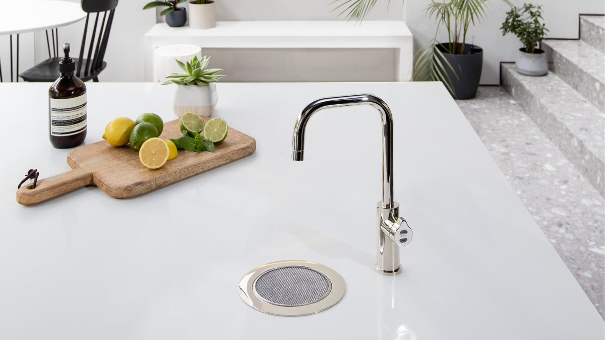 A Zip #HydroTap is an essential addition to any #smartkitchen. With instant chilled, sparkling and #boilingwater, all #filtered, you'll never look back!pic.twitter.com/evJIugij1M