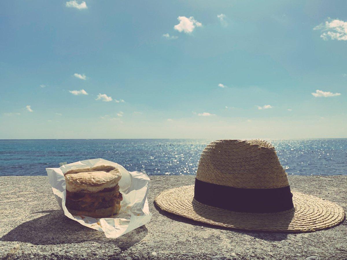 ハンバーガーと麦わら。と私と翔太。#トキ旅#延長戦#石垣島