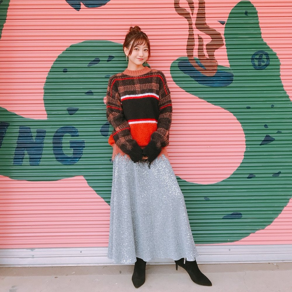 【伊藤千晃】ロングスカートが最近のマイベーシック【伊藤千晃のBijyo Diary】
