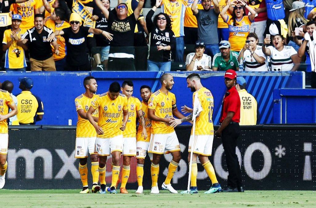 Tigres derrota 2-1 a los Pumas en los Cuartos