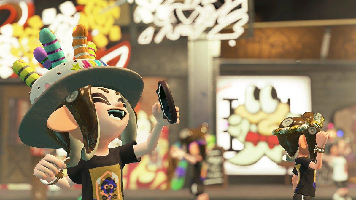 「Frosty fest」に合わせ、ゲームで使える特別なギアを、Nintendo Switch本体のゲームニュース「イカ研究所通信」を通じてプレゼントするぞ。12月下旬頃配信予定だが、ゲームニュースが届くタイミングには本体ごとに差があるので、少し気長にお待ちいただければ幸いだ。