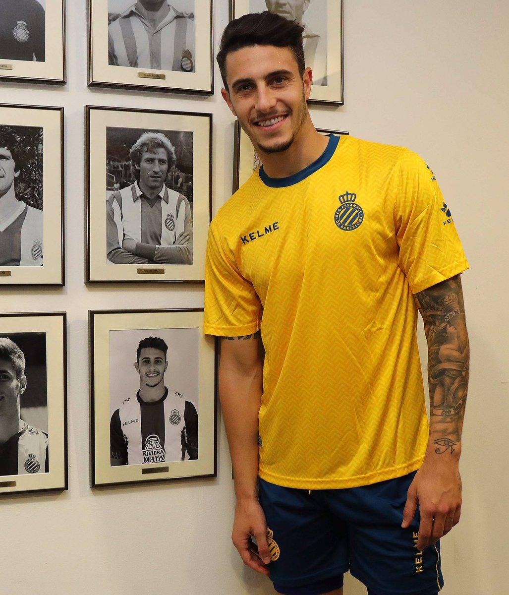 La foto de @mariohermoso5 ya luce en la galería de internacionales. ¡Muchas felicidades, Mario! ¡A seguir! 💪🏻💪🏻 #RCDE #Volem #EspanyoldeBarcelona