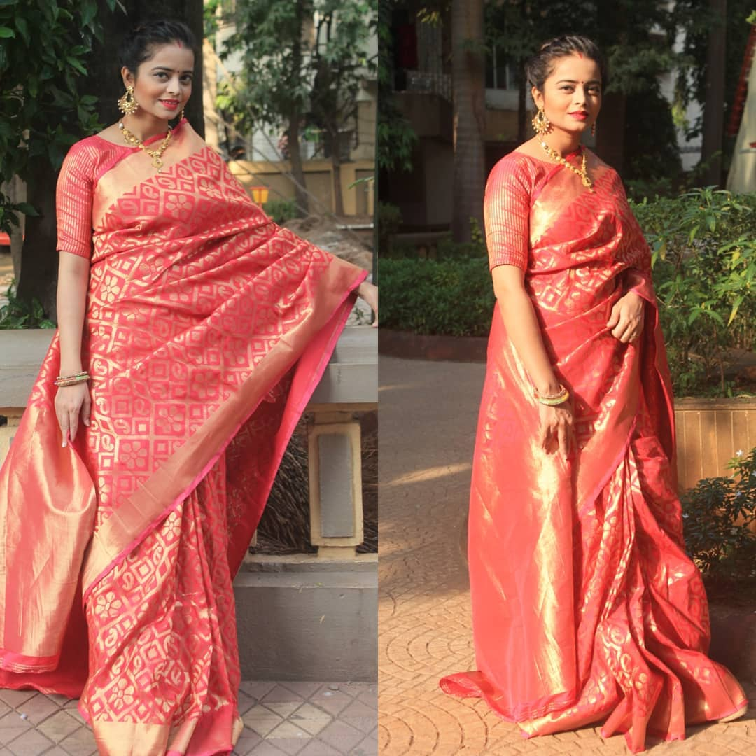 CraftsvillaXSneha . Most women who wear a saree are often termed as 'aunty ji', 'behen ji' followed by body shaming and all sorts of negative connotations. #chtrboxinfluencer @chtrbox_tech #indianwear #Traditionalwear #mommyblogger #bloggerstyle #blogger #love #sareeswag https://t.co/biD3VU2iMf