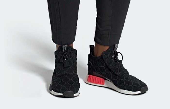 7091da3dcaf00 ... https   fastsole.co.uk sneaker-release-dates nmd adidas-nmd-racer-gtx- white-red-bd7725  ...