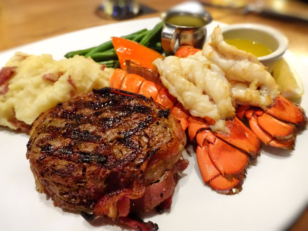 """AJ's Food Feed on Twitter: """"Steak & lobster – 7 oz bacon-wrapped filet mignon, Atlantic lobster tails, Béarnaise, drawn butter, green beans, bell peppers, garlic mashed potato @TheKeg.… https://t.co/5UPlyLHXHz"""""""