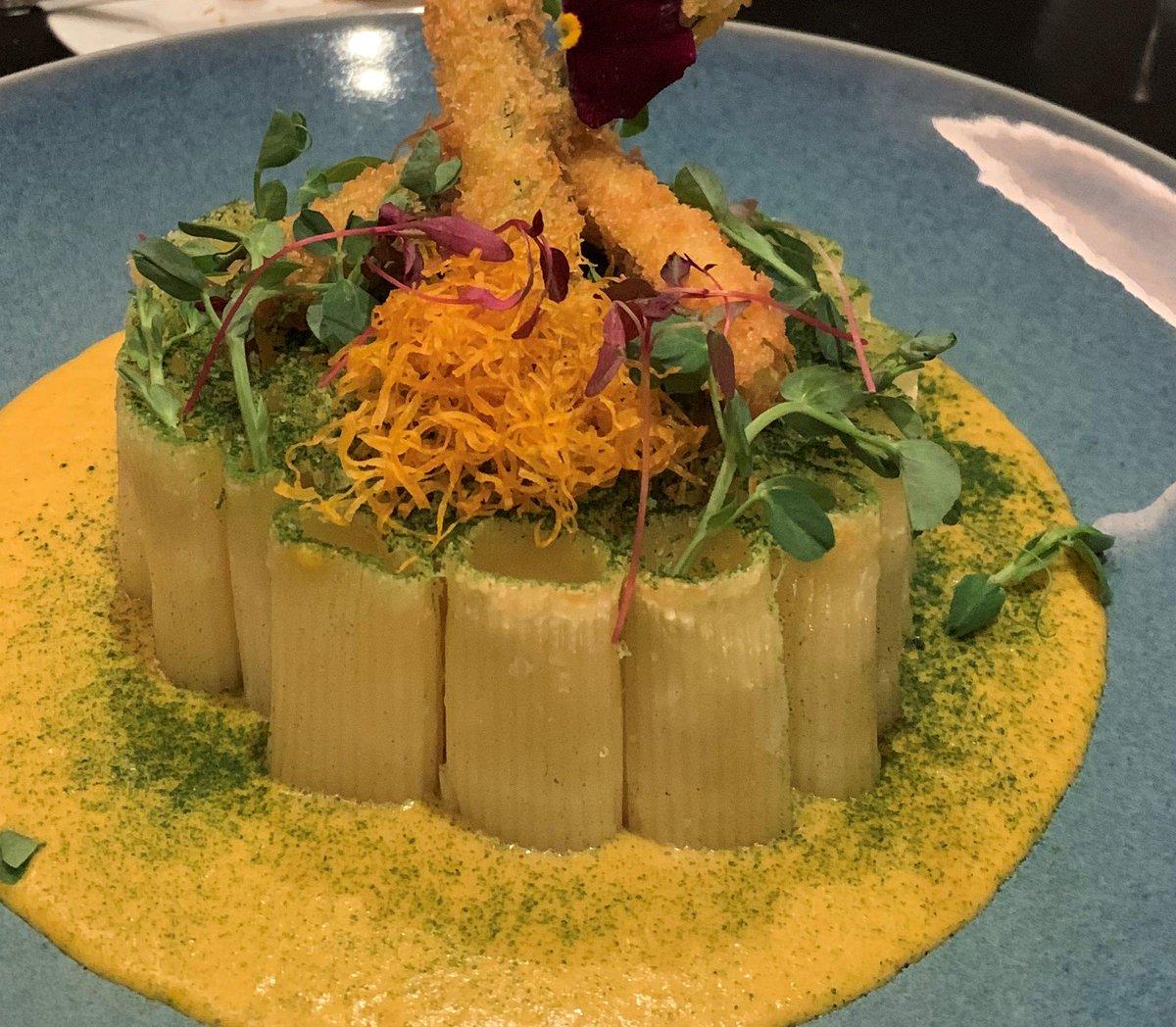 A macaroni cheese fit for a president @crowneplazaldn POTUS Restaurant #vsukvisits #londonhotels #newlondonrestaurants