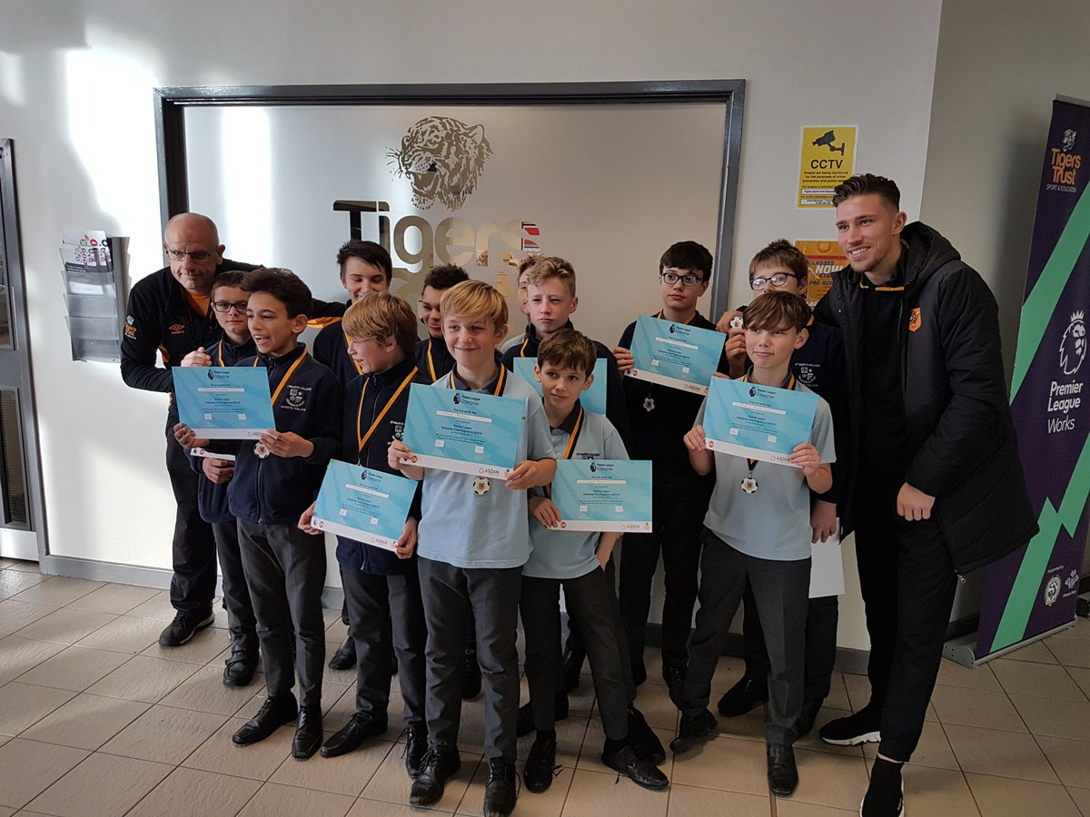 Future Y8 businessmen today completing their first Enterprise qualification, just happening to bump into HCFC's Angus MacDonald in the process @tigerstrust @smc_sport