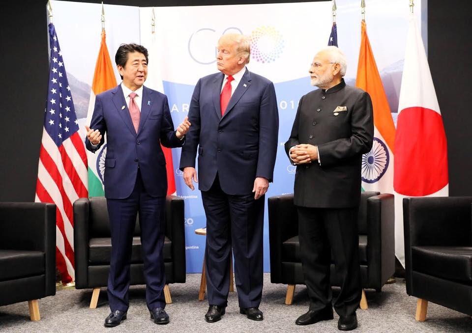 アルゼンチンでG20サミットが開幕しました。この機会を活かし、トランプ大統領、モディ首相と、初めてとなる日米印三か国による首脳会談を行いました。「自由で開かれたインド太平洋」という共通の目標に向かって、緊密に連携していくことで一致しました。