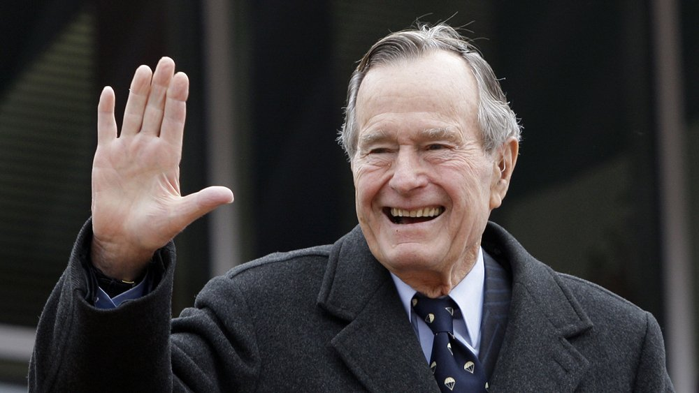 #GeorgeHWBush - The 41st President of the USA Passed away at 94