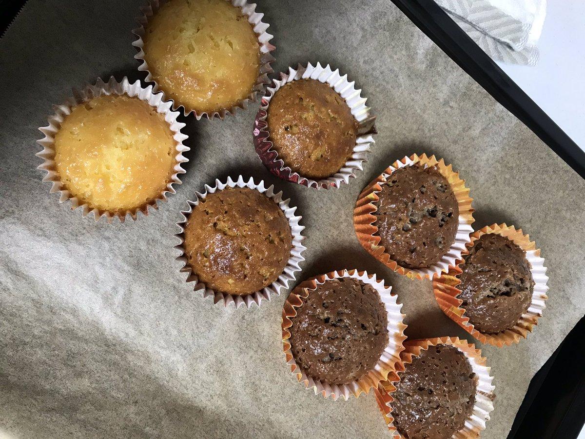 test ツイッターメディア - 我が家にオーブンが導入されたので、生まれて初めてチョコ以外のお菓子作りしてみた。 セリアのマフィンミックスで。 ふわふわ美味しい! 今日から私の趣味はお菓子作りって事で。 #セリア #お菓子作り #マフィン https://t.co/kCbldP4Aom