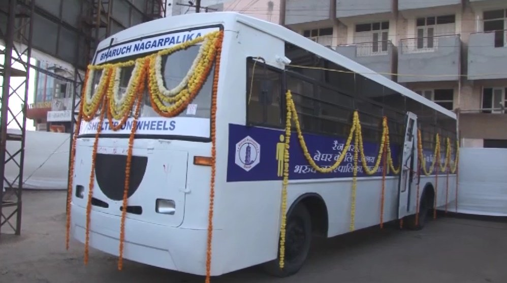 Bharuch Municipality alters old GSRTC buses to use them as shelter homes for poor