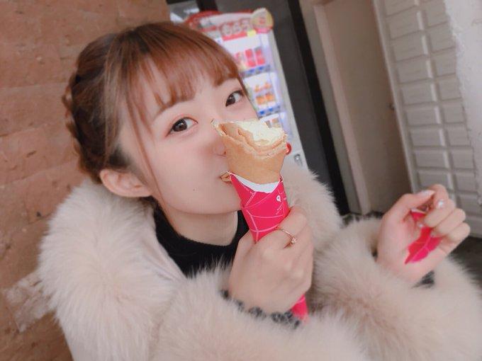 【麗しの姫様】今日は、りかちゃん(中井りか)の故郷・富山に。 思い出の総曲輪通りなど、色々な場所にお邪魔しました。 最近ハマっているクレープをいただく撮影もたまたまあり、姫様、ご機嫌麗しゅう、寒い中の撮影も頑張ってくれました。 お仕事の内容は、またの機会にお知らせします。 #NGT48 写真