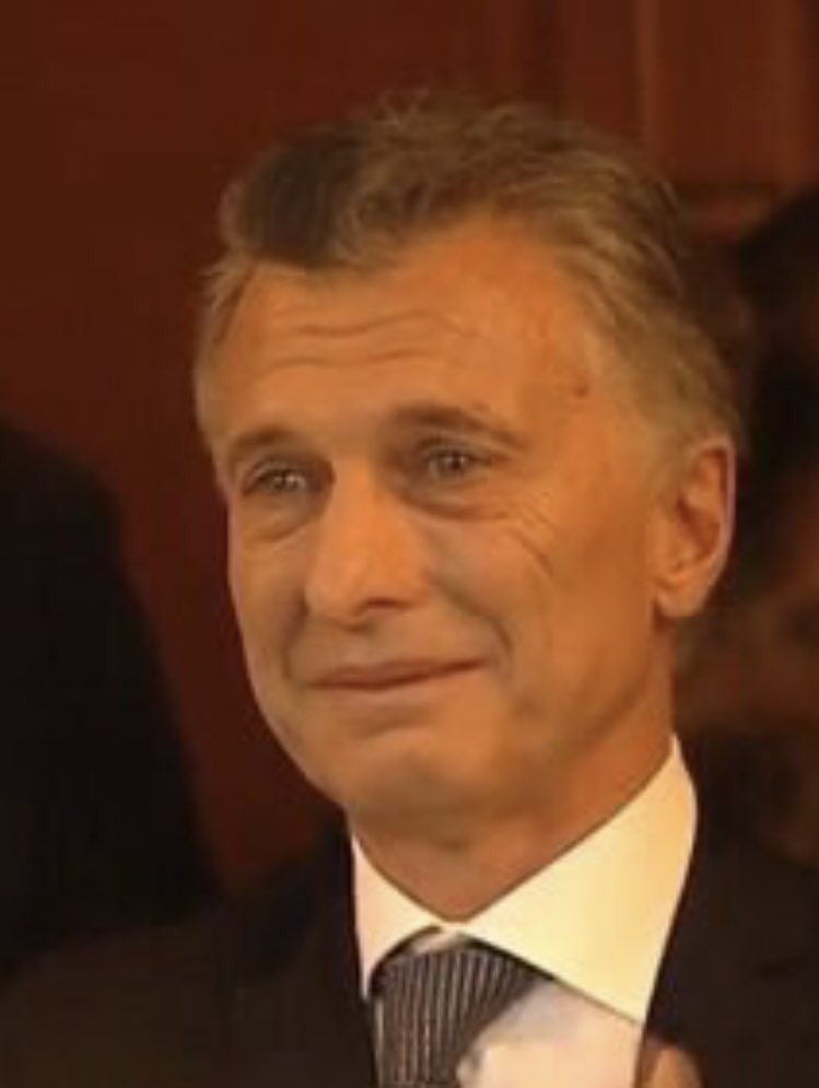 Lo que verdaderamente avergüenza a las y los argentinos es el libreto de cipayo y miope de la política exterior de macri