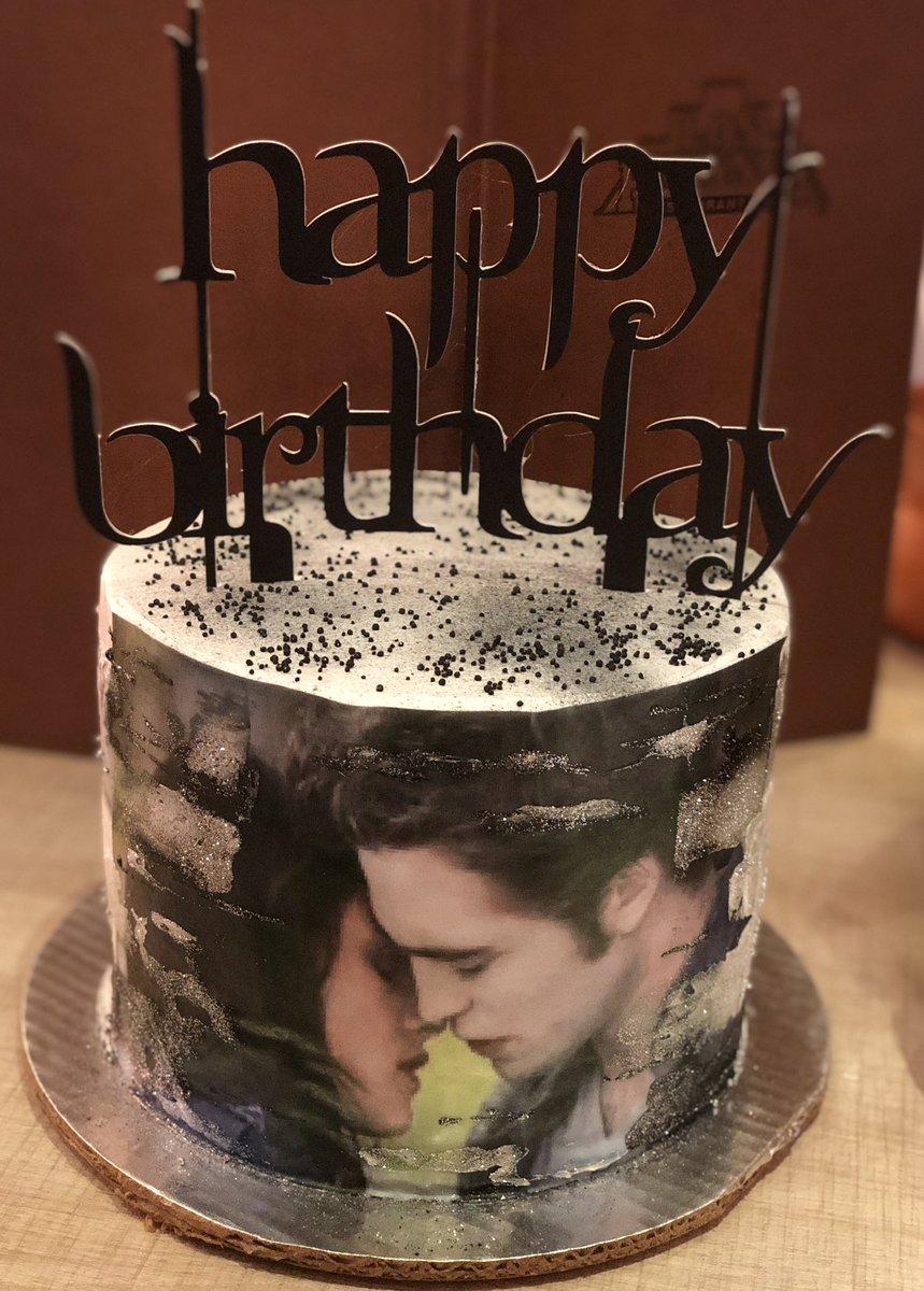Surprising Cintia On Twitter My Birthdays Cake Twilight Funny Birthday Cards Online Overcheapnameinfo
