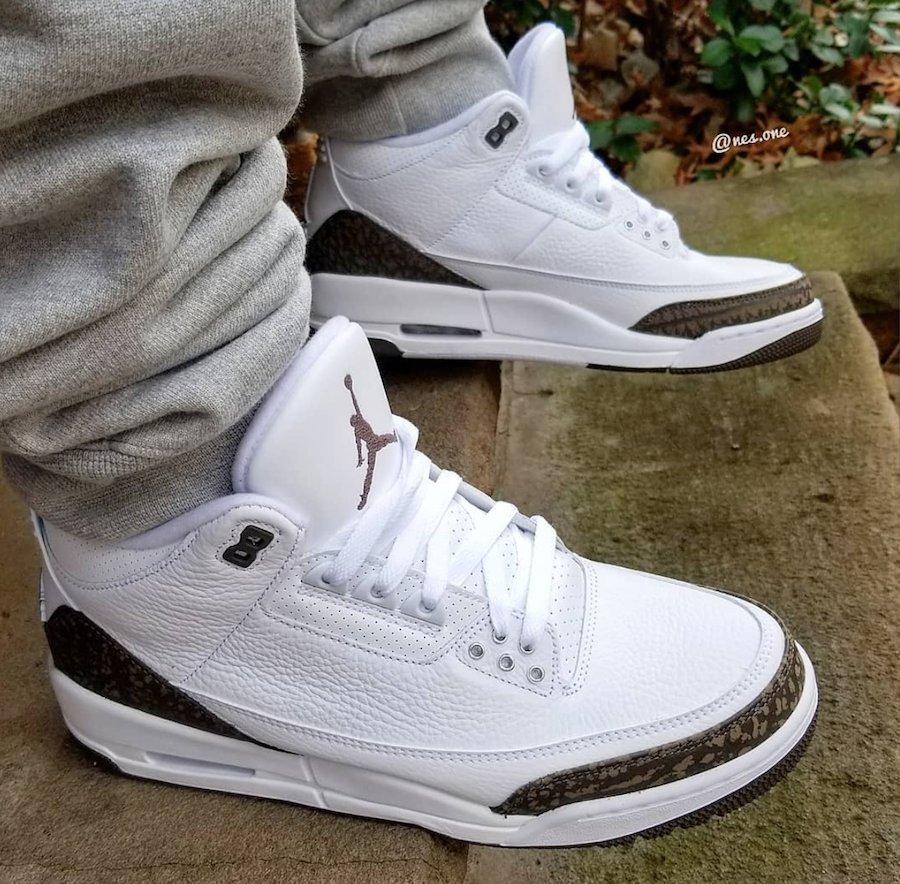 "fa223be245747 Air Jordan 3 ""Mocha"" Color  White Chrome-Dark Mocha Style Code  136064-122  Release Date  December 15"