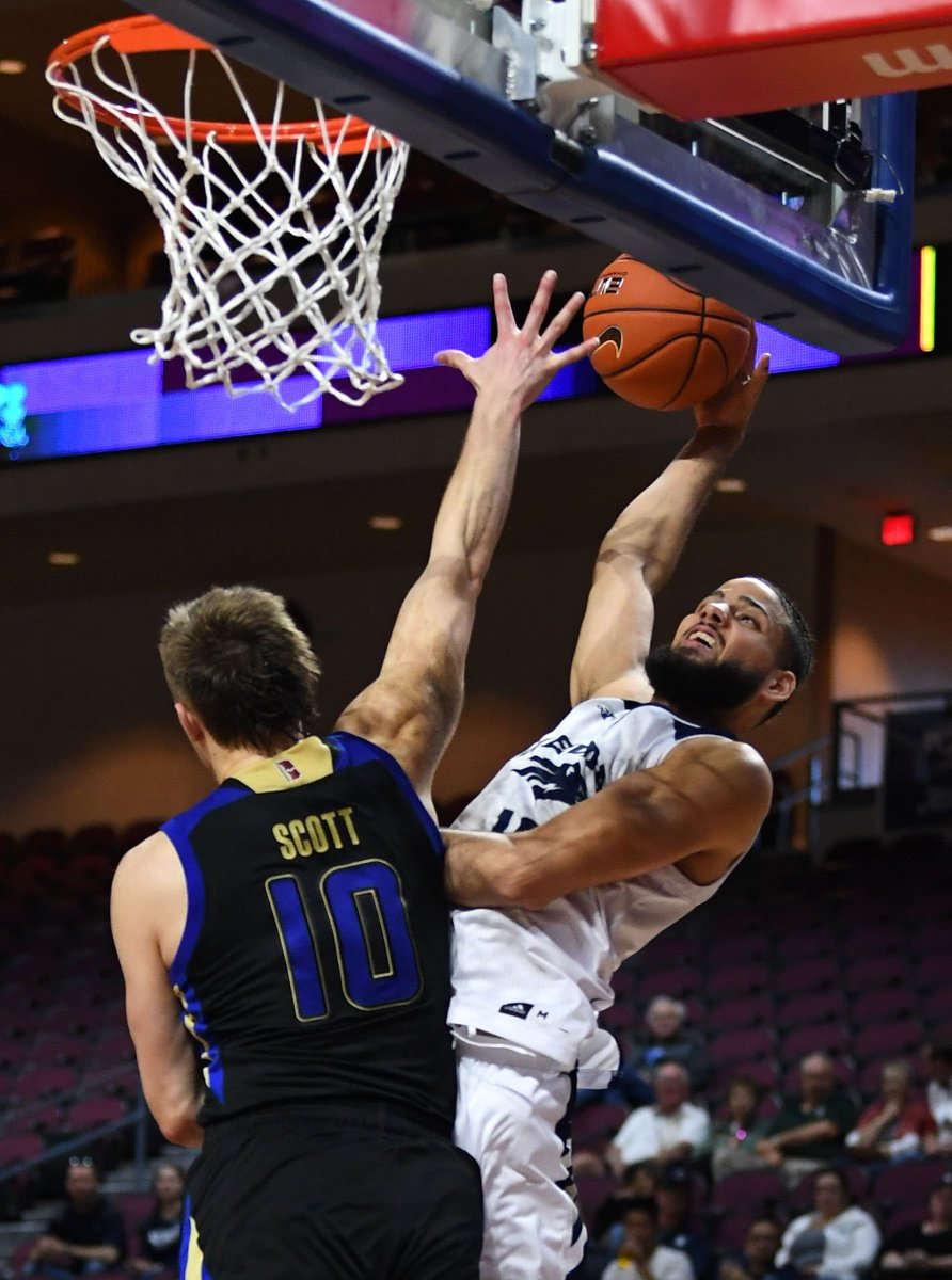 Nevada plays USC today for the first time since 1976. Notes on the game: https://t.co/36aJDIKeTI Three keys/prediction: https://t.co/sbCiU9OFt8 Column on upcoming games: https://t.co/haQlqnpB8W Video preview from Los Angeles: https://t.co/sM18Aj3TuX