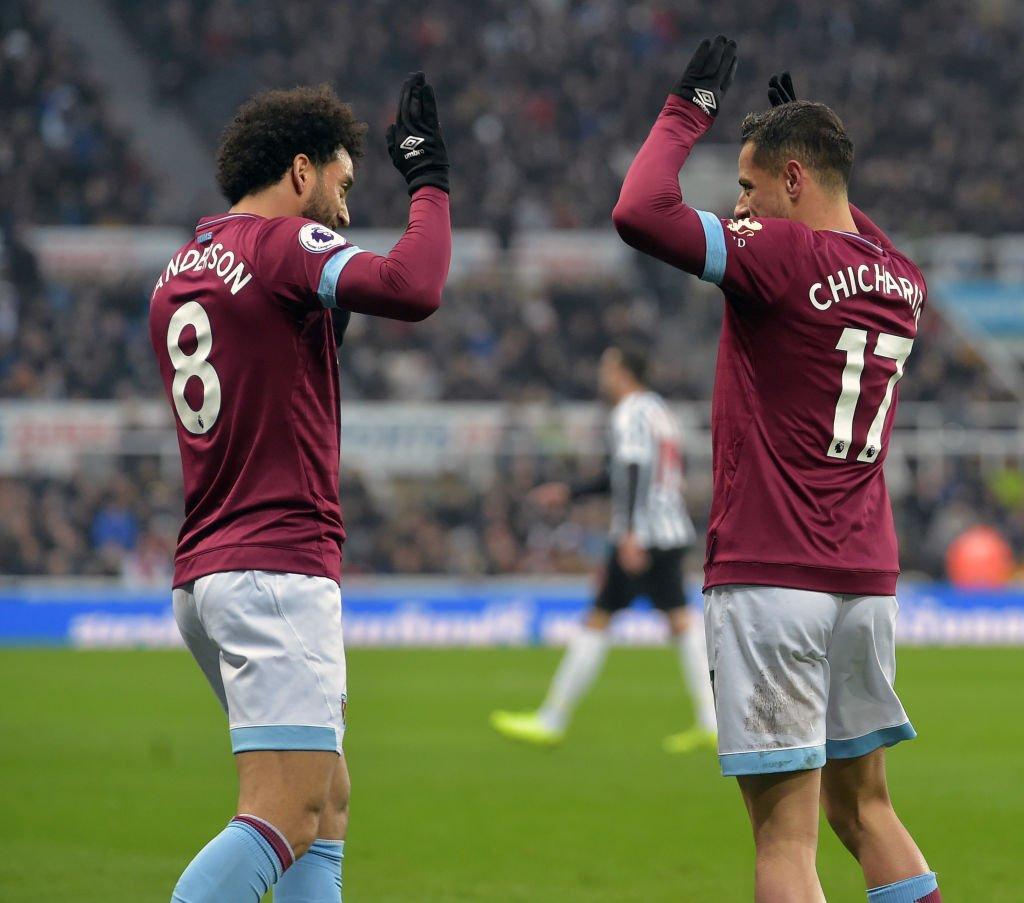 West Ham hilvana un triunfo