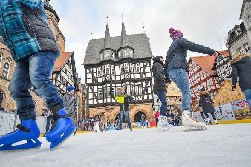Alsfeld Weihnachtsmarkt.Oberhessen Live De On Twitter Eisbahn Auf Dem Alsfelder