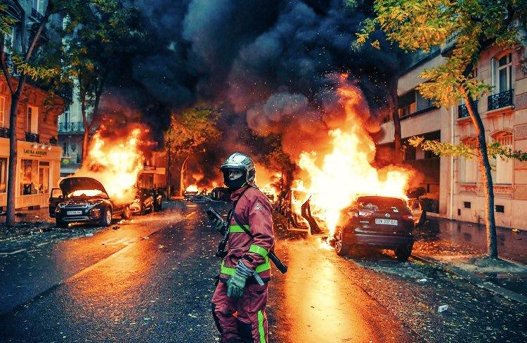 """75% французов поддерживают восстание """"жёлтых жилетов"""""""