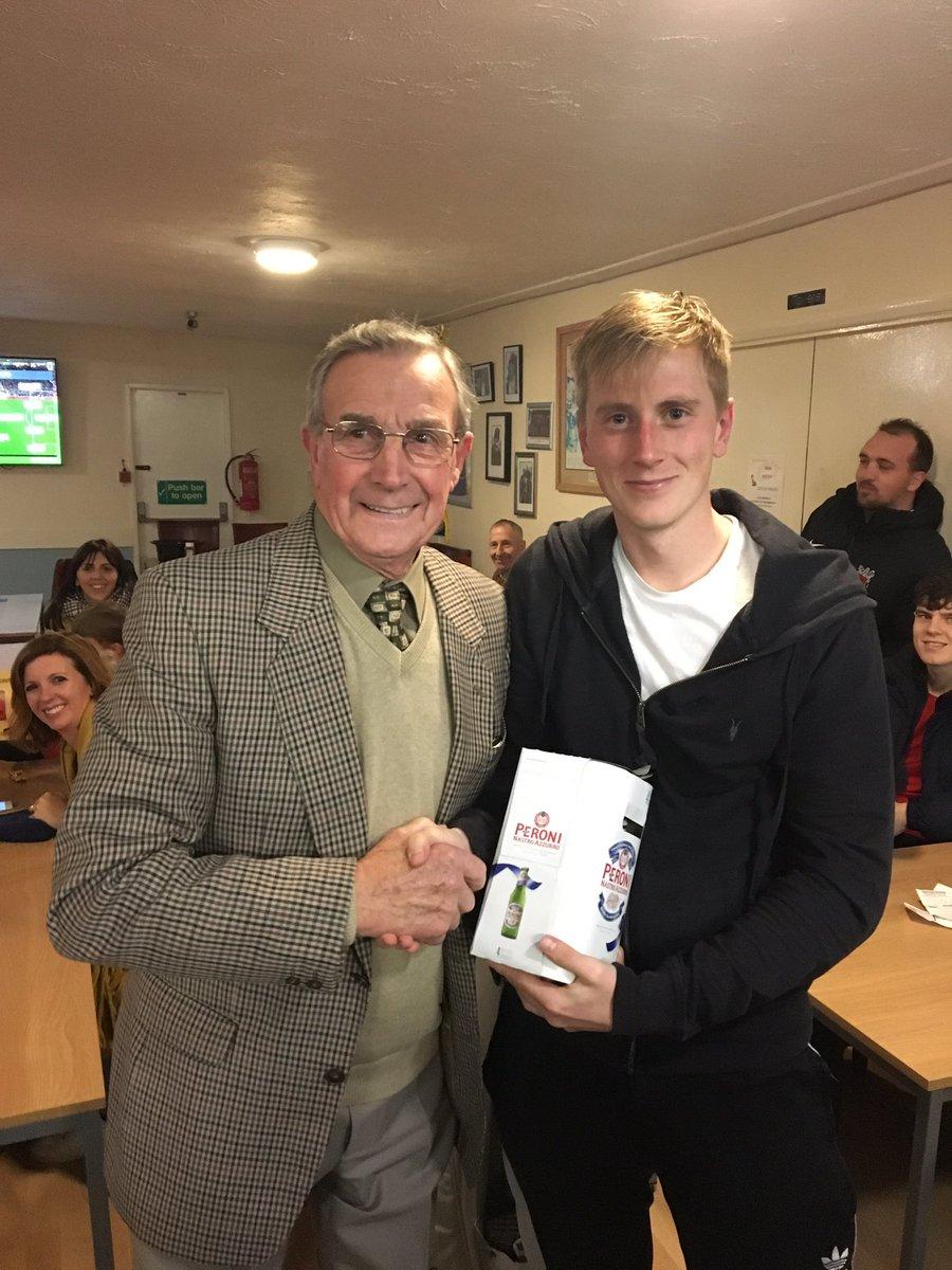 Man of the match today chosen by match sponsor Guy Dix, presented by birthday boy Brian Munton to debutant @nickjackson003